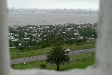 Vista de Montevideo desde la Fortaleza del cerro. Foto: Virginia Martínez.