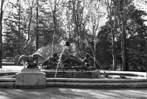 Fuente Cordier, Parque Prado. Año 1944. (Foto 8021 FMH.CMDF.IMM.UY)