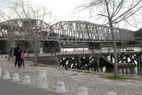 Puente del Río Santa Lucía