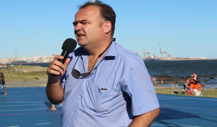 Espacio polideportivo de playa del Cerro : Walter Ferreira