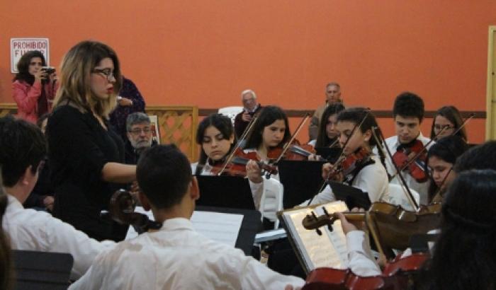 La Orquesta Juvenil en plena presentación
