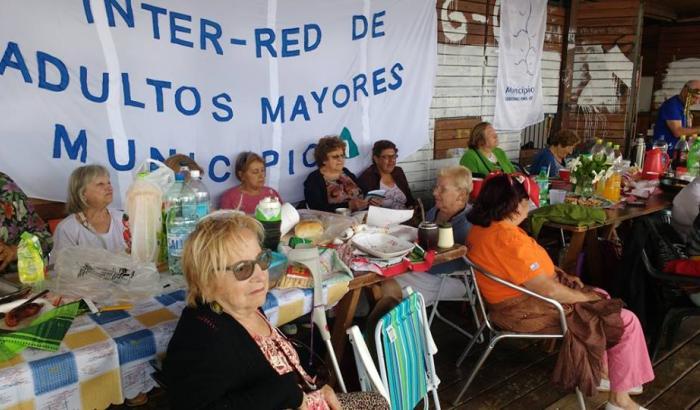 Jornada de los adultos mayores en Santiago Vázquez
