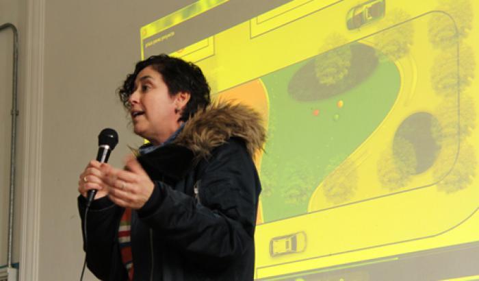 Asistente social Rosario Novasco en la presentación del proyecto.