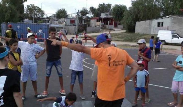 Taller de Hip Hop del Programa Esquinas de la Cultura en el oeste de Montevideo.